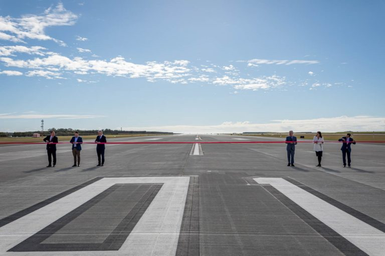 Brisbane Airport's new runway open